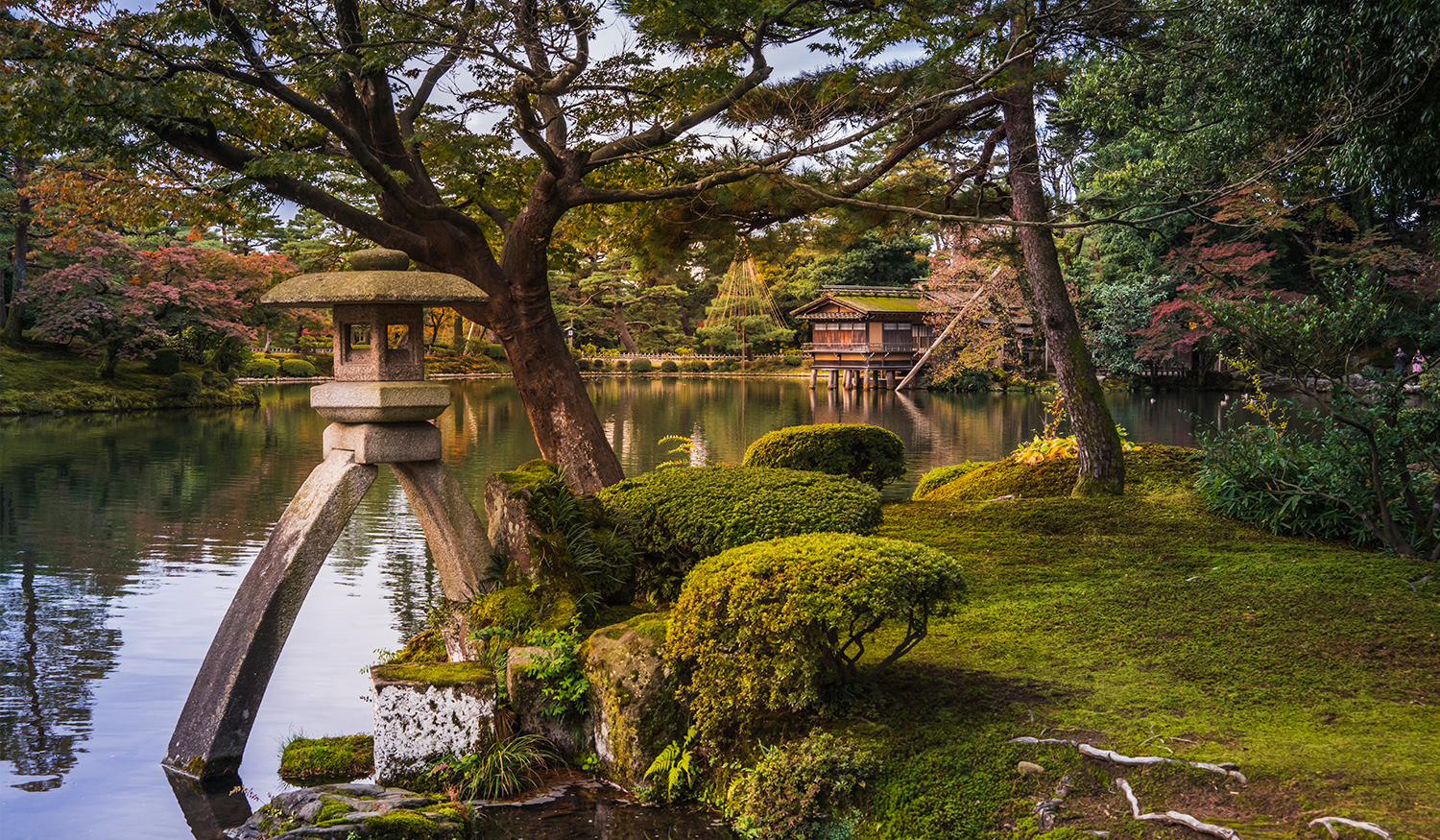 Daily Photo: Kenrokuen Garden - Roam to Wonder